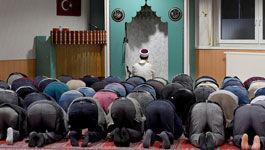 Abendgebet in der Veysel-Karani-Moschee in Worms