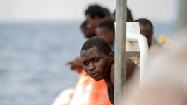 """Gerettete Flüchtlinge an Bord der """"Sea-Watch 2"""" im Oktober 2016. (Archivbild)"""