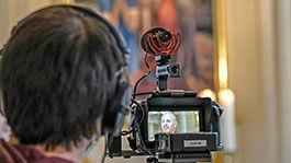 Kameramann bei Gottesdienstaufzeichnung