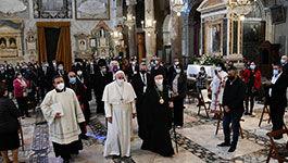 inzug der Religionsvertreter in die Basilica dell'Aracoeli zum Auftakt des Friedenstreffen der Weltreligionen von St. Egidio in Rom