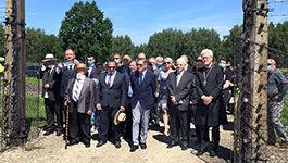 Die gemeinsaame Delegation in der Gedenkstätte Auschwitz-Birkenau
