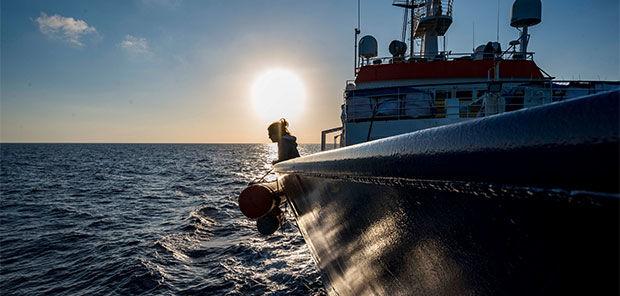 Sea-Watch 4 beim Auslaufen in das Mittelmeer