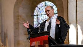 Mit einem festlichen Gottesdienst ist der evangelische Landesbischof Ralf Meister (Foto) aus Hannover am 05.09.2020 als neuer Abt des traditionsreichen Klosters Loccum bei Nienburg eingeführt worden.