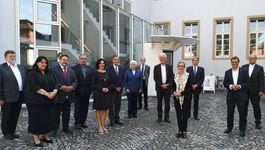 Am 1. September 2020 trafen Mitglieder des Rates der Evangelischen Kirche in Deutschland (EKD) und Vertreter des Zentralrats Deutscher Sinti und Roma im Dokumentations- und Kulturzentrum Deutscher Sinti und Roma erstmalig in Heidelberg zu offiziellen Gesp