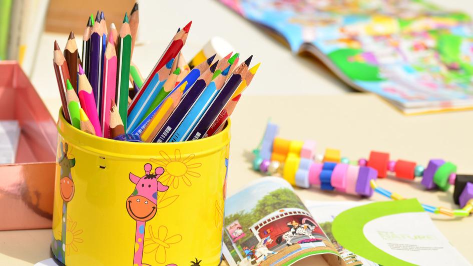 Stifte und Spielsachen