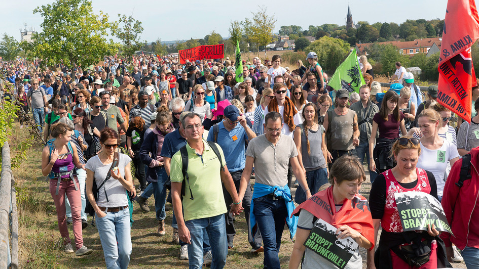 Demonstranten im Hambacher Forst