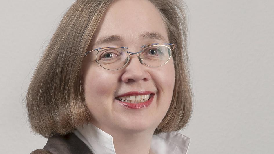 Portrait von Inken Wöhlbrand, neue Direktorin des LWB-Zentrums in Wittenberg